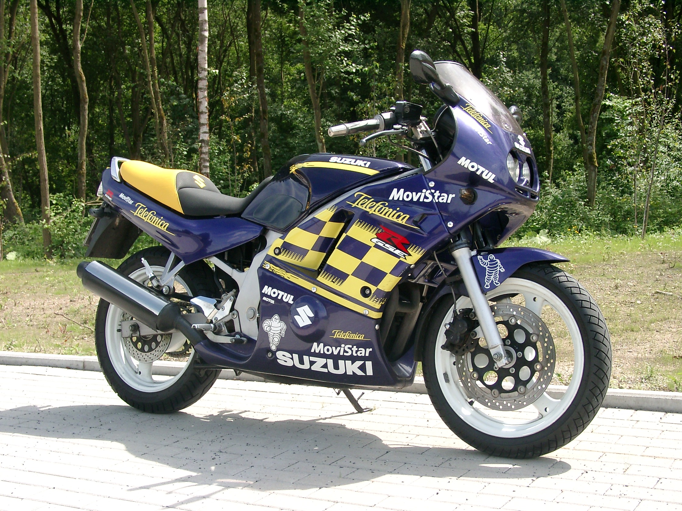 File:Suzuki GS 500 E-1993.JPG - Wikimedia Commons