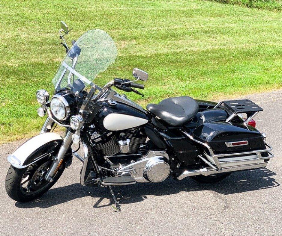 Harley-Davidson FLHRC Road King Classic 2016