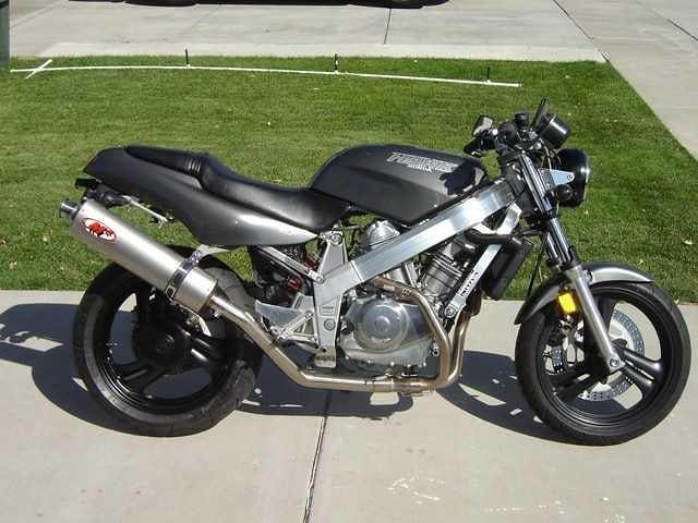 Honda NT650 Bros 1991