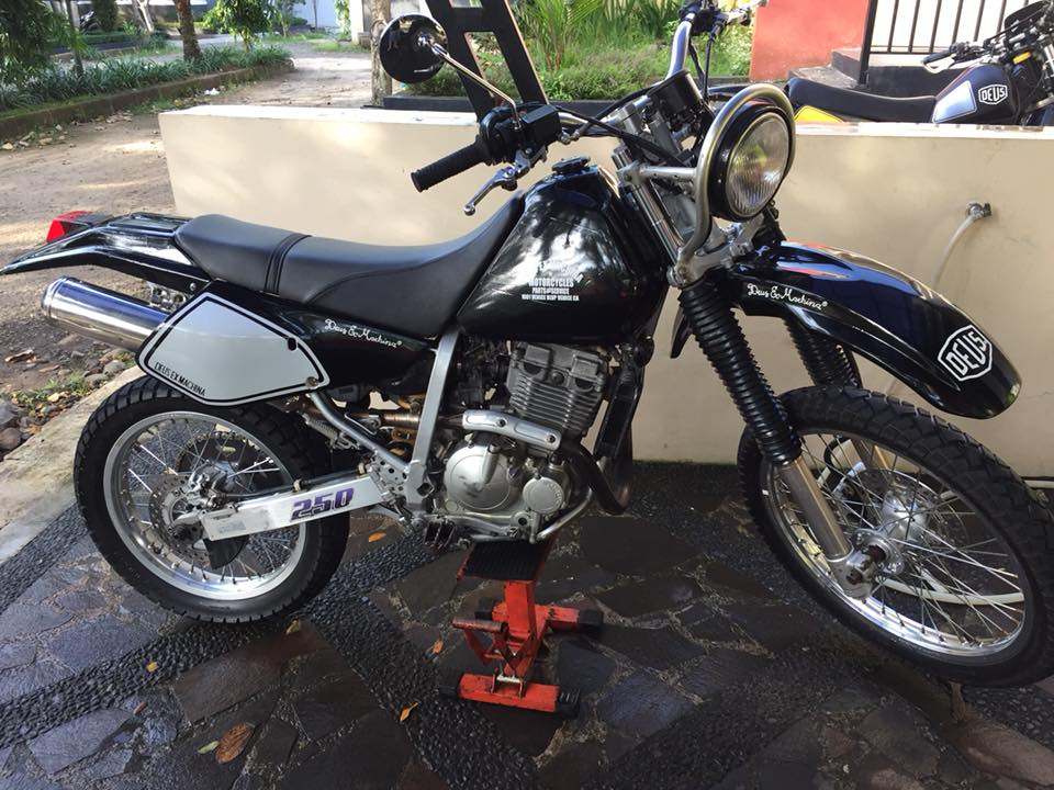 Suzuki DR250 Djebel  1997