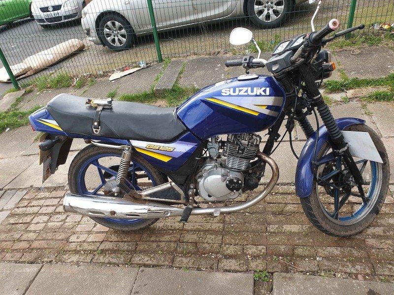 Suzuki GS125  1990