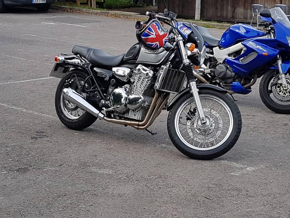 Triumph Adventurer 900 2000