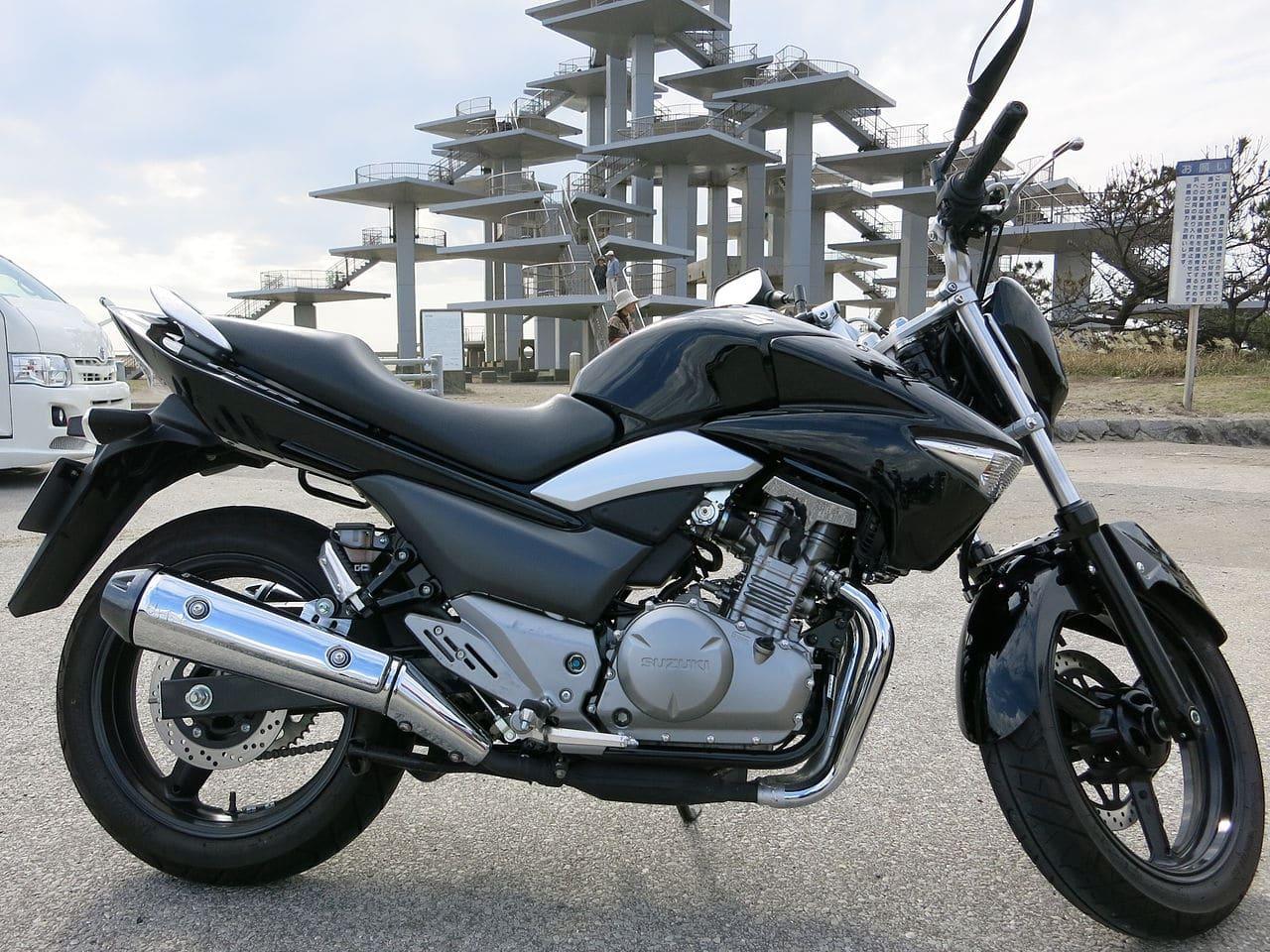 Suzuki GSR250  2016