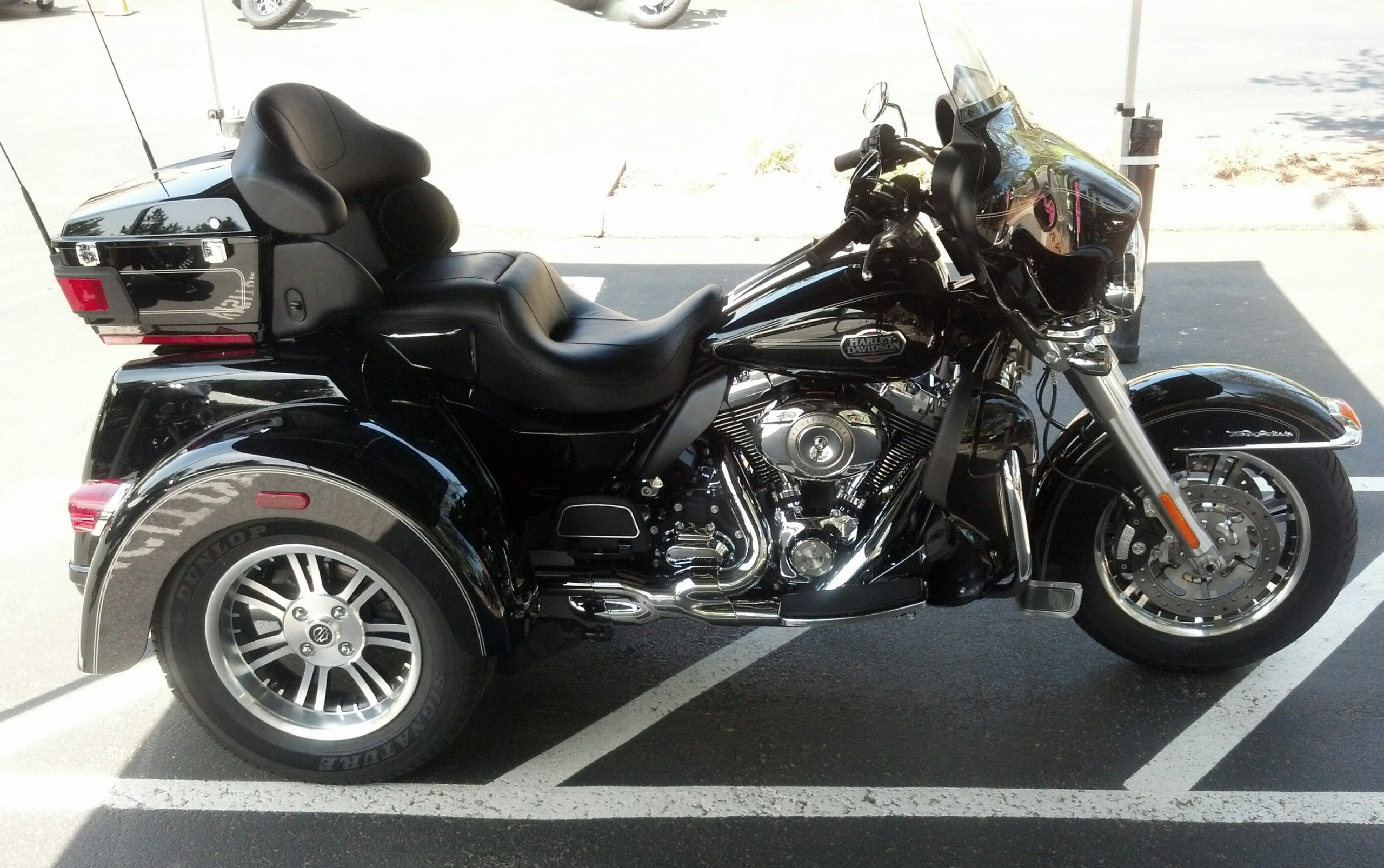 Harley-Davidson FLHTCUTG Tri Glide Ultra Classic 2011