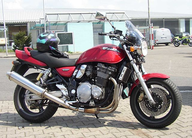 Suzuki GW400 Inazuma  1999