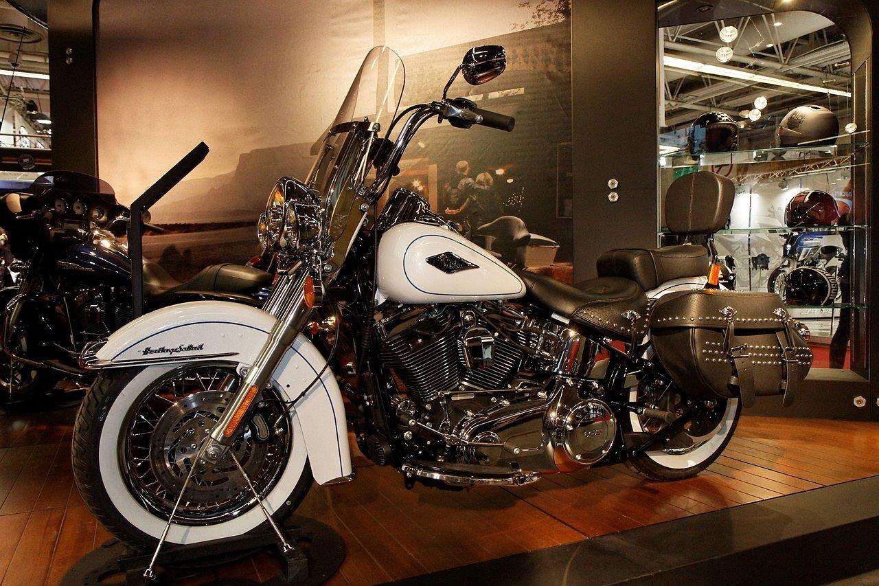 Harley-Davidson FLSTC Heritage Softail Classic  2011
