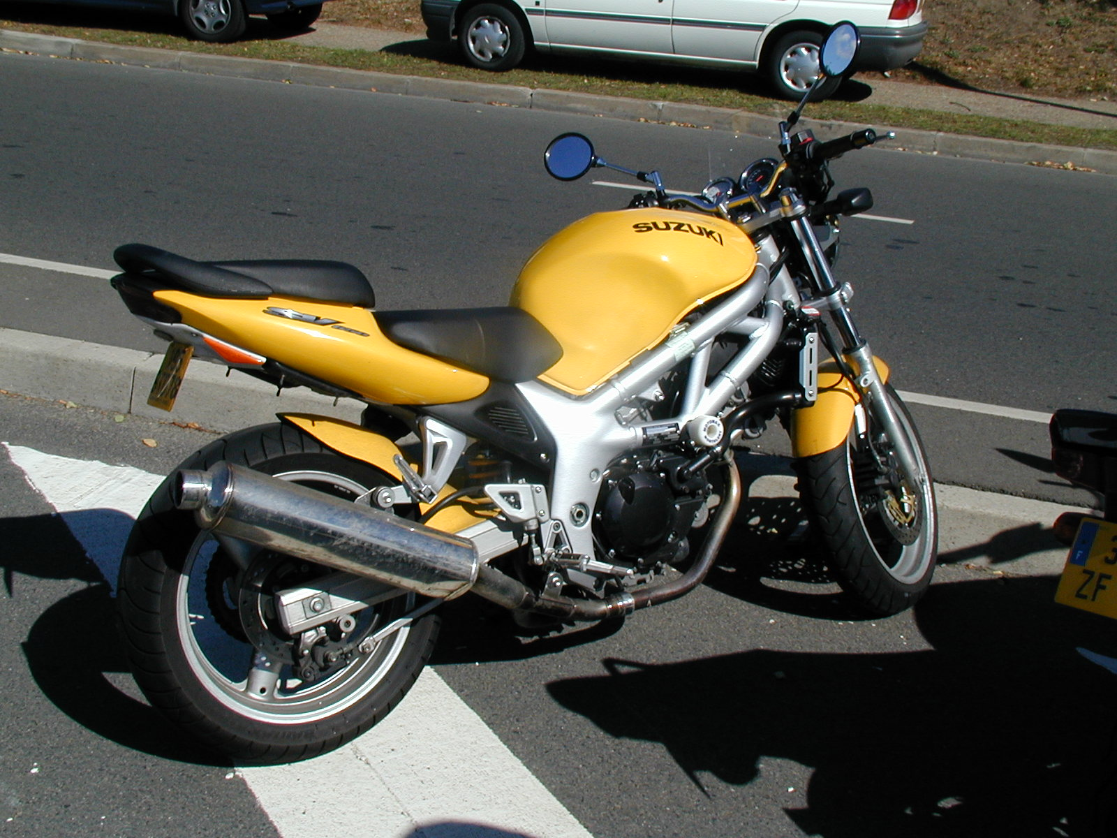 File:Suzuki 650-sv-1.jpg - Wikimedia Commons